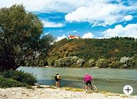 Radfahren an der Donau in Bayern