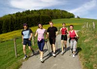 Nordic-Walking in Bayern im Nordic-Walking Park in Spiegelau.