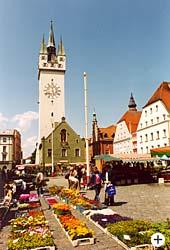 Marktplatz von Straubing in Niederbayern