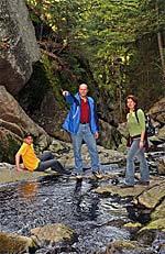 Wandern im Bayerischen Wald in der Steinklamm in Spiegelau am Nationalpark Bayer. Wald